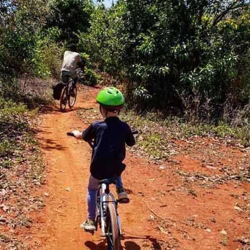 Kids on bike at Spice tour Zanzibar on bike