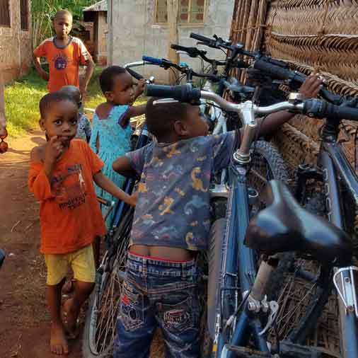 Kids in Makunduchi with the bikes for the 10 days cycling tour